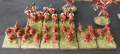 [Flogus] Une armée démoniaque de Khorne en gestation - Page 2 Warmaster_demons_cavalerie_mini