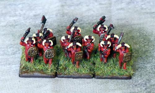 [Flogus] Une armée démoniaque de Khorne en gestation - Page 2 Warmaster_demons_centaures2_mini
