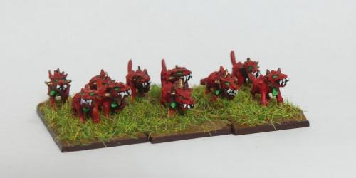 [Flogus] Une armée démoniaque de Khorne en gestation Warmaster_demons_chiens2_mini