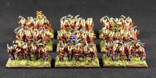[Flogus] Une armée démoniaque de Khorne en gestation - Page 2 Warmaster_demons_sanguinaires-4-5-6_mini